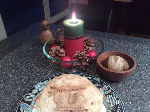 Virtuvine eglute su tradiciniu Kalediniu kepiniu